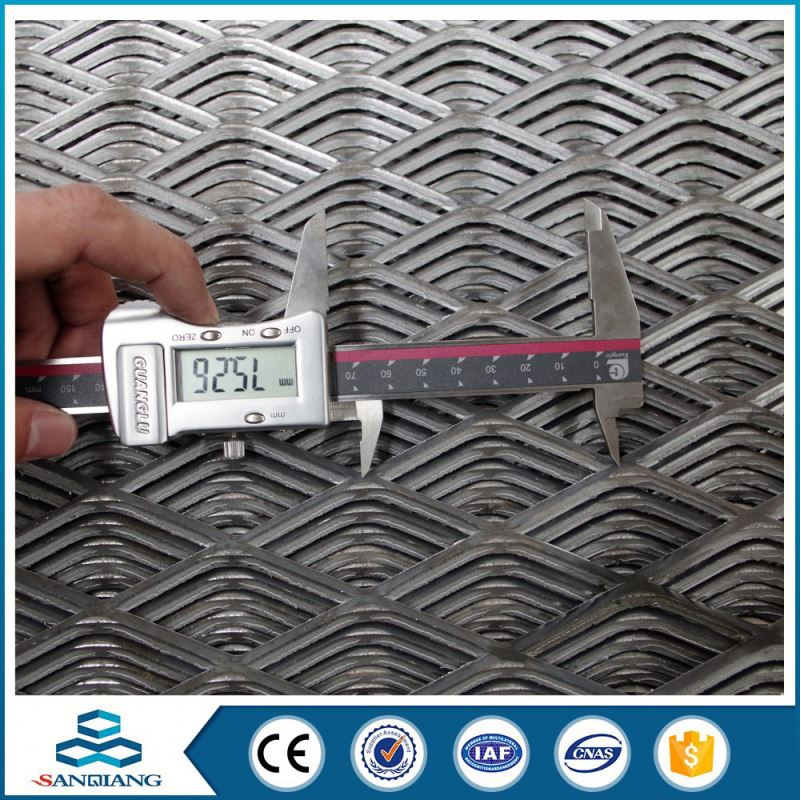hot sale 11.15kg/m2 weight steel metal flexible gutter expanded metal mesh